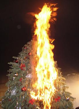 Безопасная искусственная елка