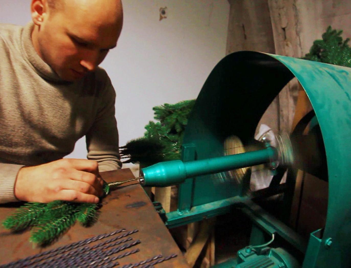 Производство искусственных елок